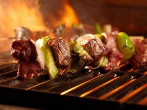 Grillspieß mit Gemüse und Grillfleisch